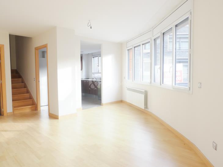 Duplex penthouse of 120 m2 with 2 bedrooms and parking space in Andorra la Vella