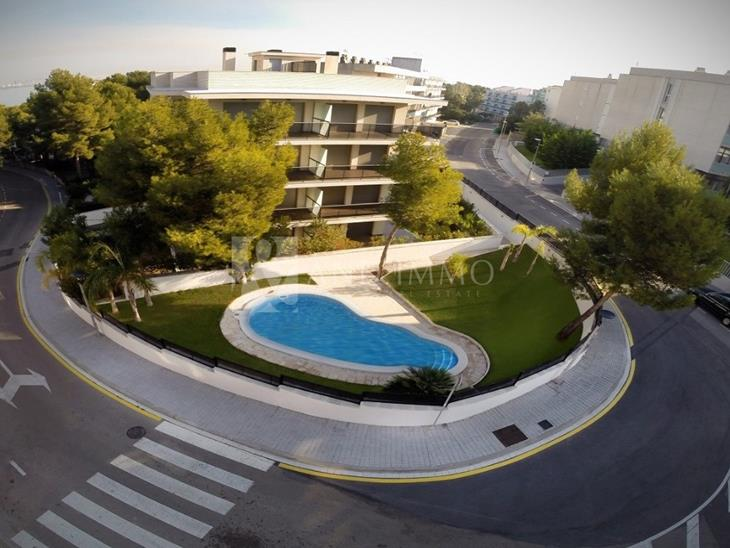 Baix en venda a SALOU amb 3 habitacions i parking