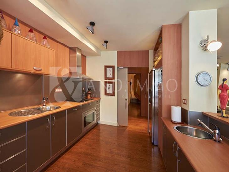 Exclusive duplex penthouse with 4 bedrooms, sauna and terraces in the center of Andorra la Vella