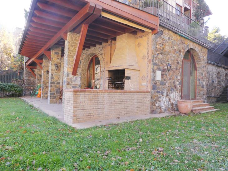 Distinguished villa with 6 rooms and an indoor pool in Andorra la Vella