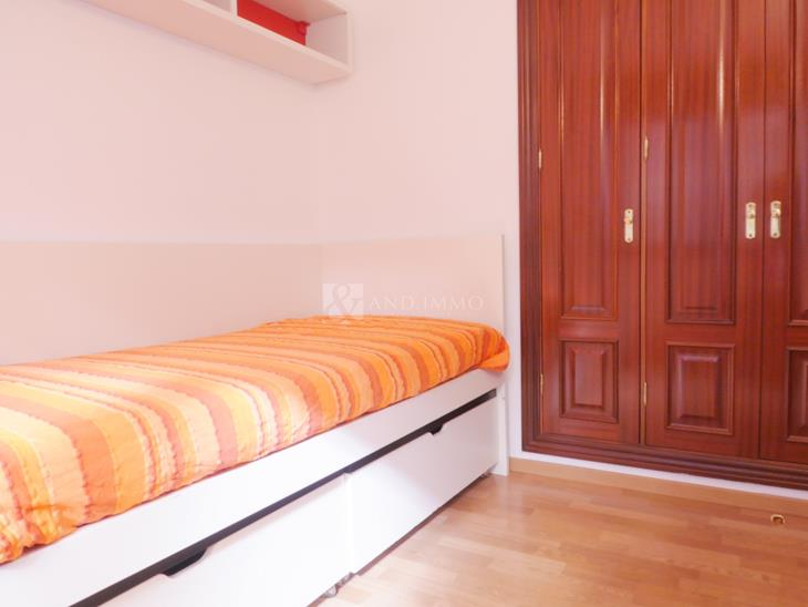Groundfloor on sale in La Cortinada with 3 rooms with suite and parking
