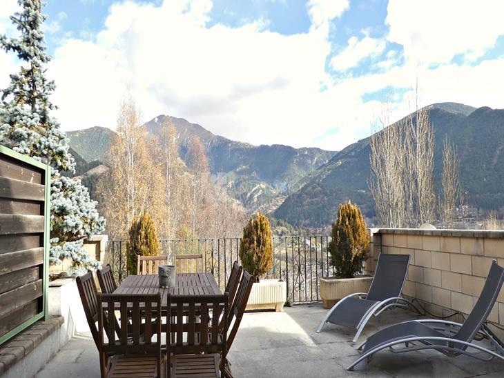 Casa Chalet  en VENTA en Escàs: 214,00 m² - 630000,00