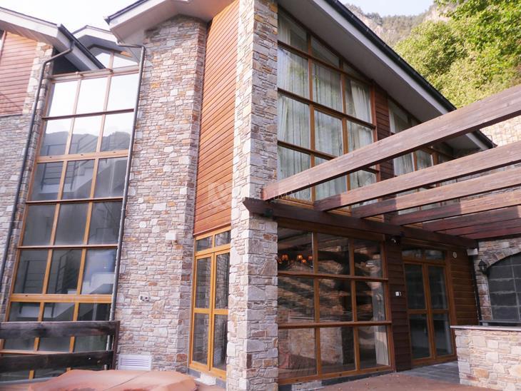 Casa Chalet  en VENTA en Erts: 300,00 m² - 1400000,00