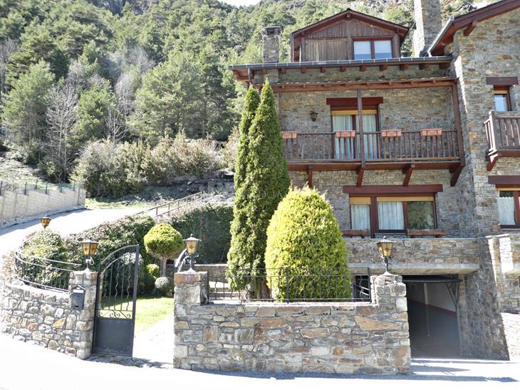 Casa Xalet  en VENDA a Arans: 275,00 m² - 875758,00