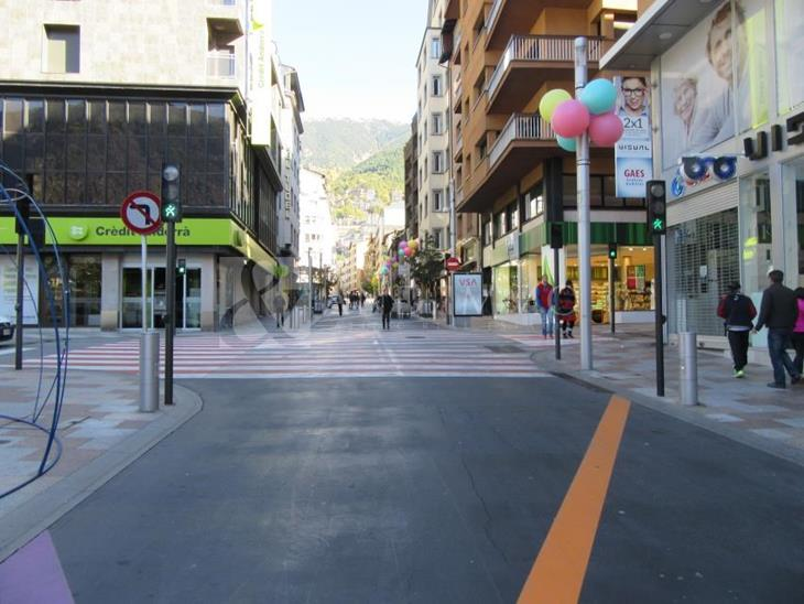Comercial space for RENT in Escaldes-Engordany: 772.00 m² - 32000.00