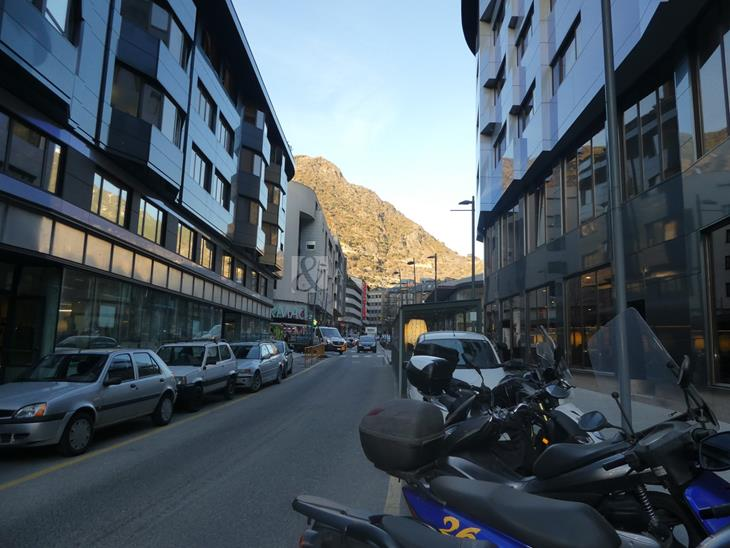 Comercial space for RENT in Andorra la Vella: 370.00 m² - 10640.00