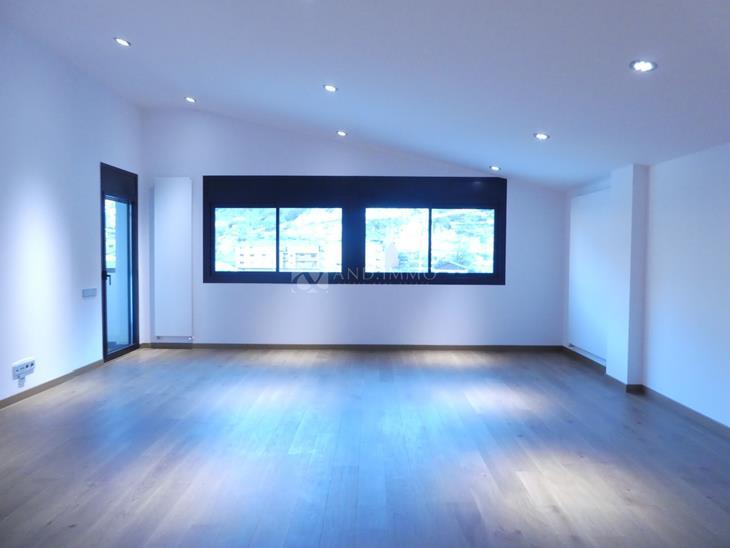 Àtic en VENDA a Vila: 200,00 m² - 1025000,00