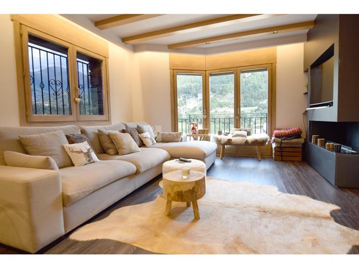 Casa Chalet  en VENTA en La Massana: 325,00 m² - 975000,00