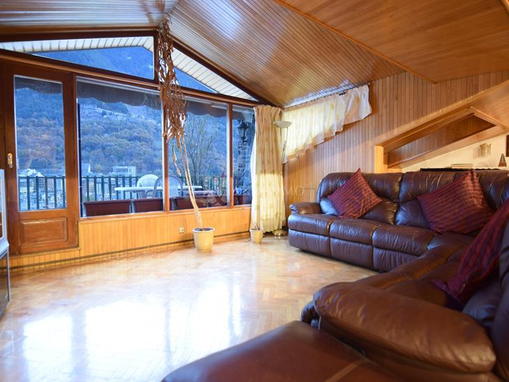Penthouse for SALE in Escaldes-Engordany: 250.00 m² - 740000.00