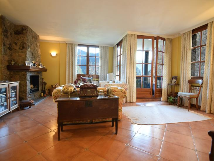 Flat for SALE in Sispony: 153.00 m² - 445000.00