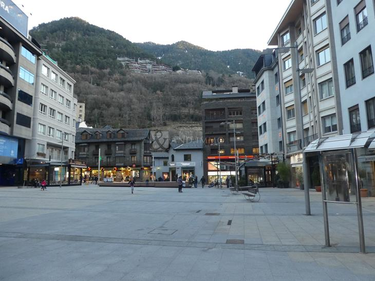Local en VENDA a Escaldes-Engordany: 4696,00 m² - 19500000,00