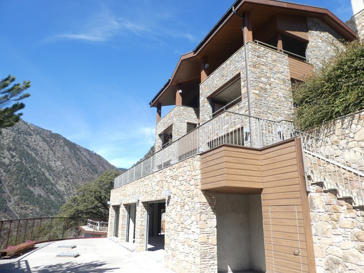 Casa Chalet  en VENTA en Escaldes-Engordany: 749,00 m² - 2100000,00