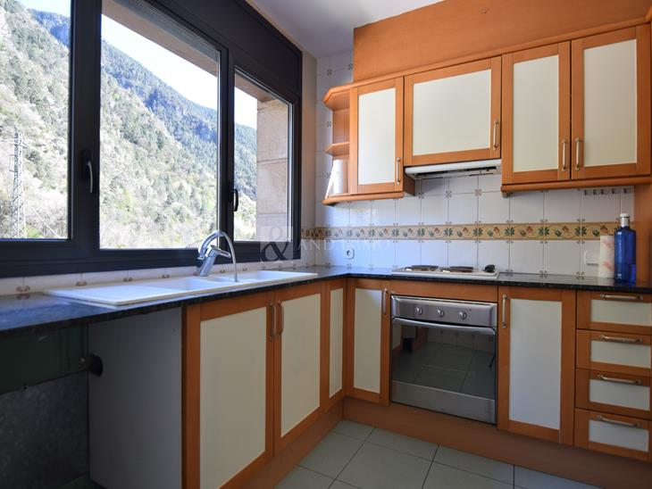 Flat for RENT in Santa Coloma d'Andorra: 100.00 m² - 990.00