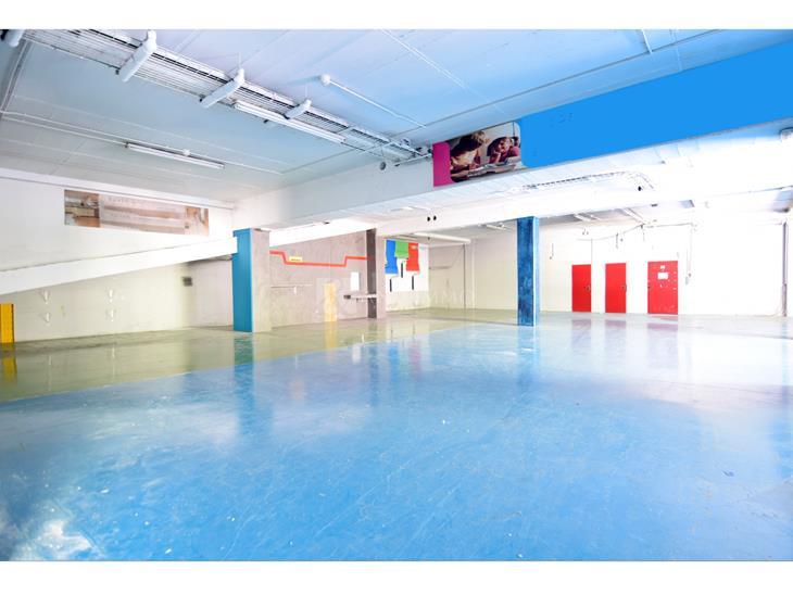 Warehouse for SALE in Bixessarri: 897.25 m² - 1200000.00
