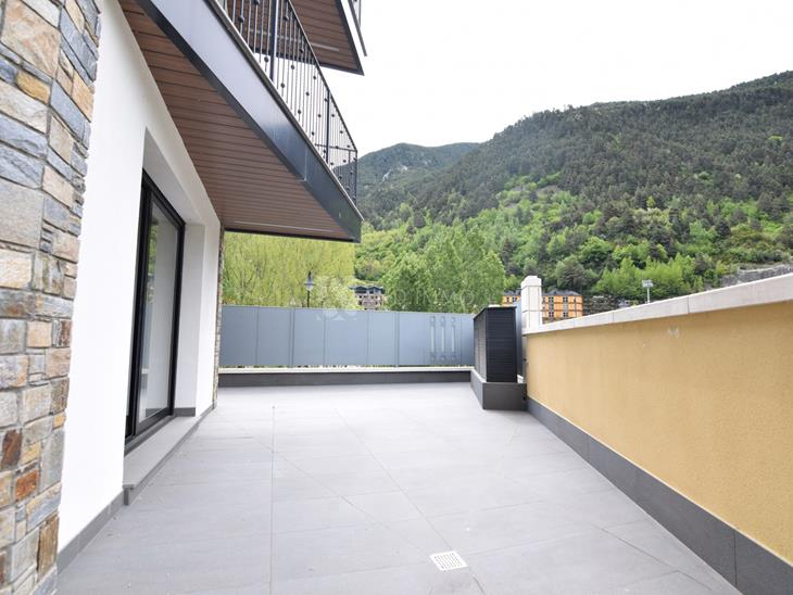 Baix en VENDA a Vila: 410,00 m² - 936644,00
