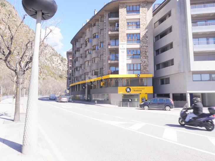 Office (exclusive offices) for SALE in Sant Julià de Lòria: 248.00 m² - 530000.00