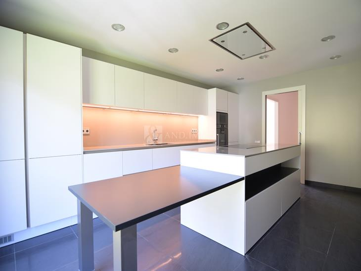 Flat for SALE in Vila: 413.79 m² - 1086984.00