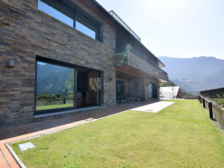 Detatched  for SALE in Escaldes-Engordany: 2850.00 m² - 5850000.00
