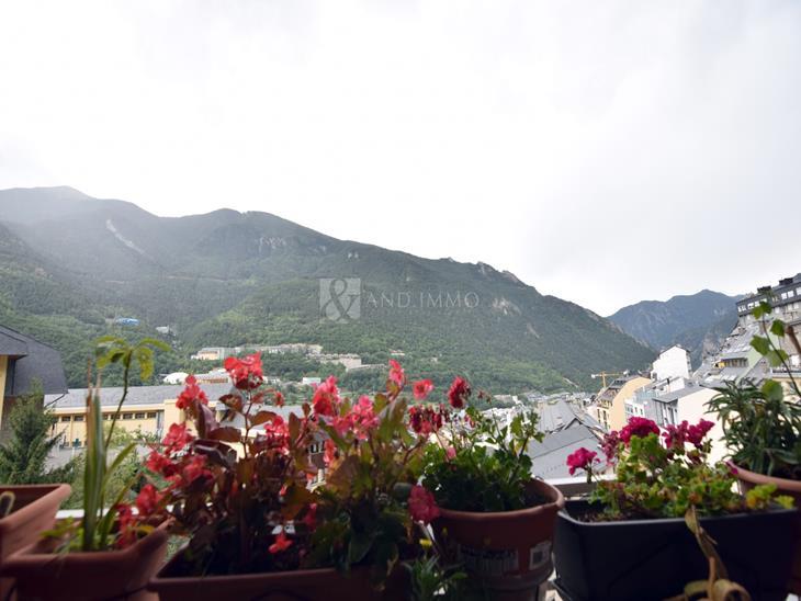 Flat for SALE in Andorra la Vella: 100.00 m² - 290000.00