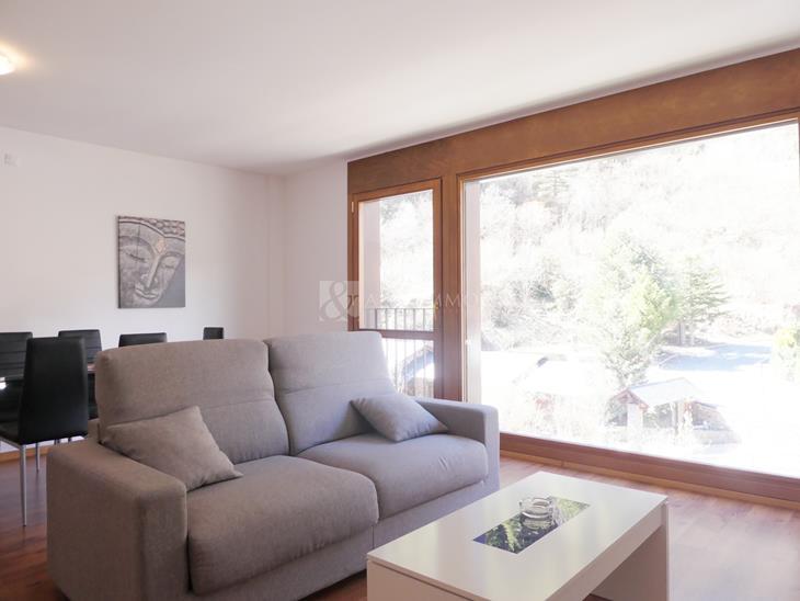 Local en VENTA en Llorts: 15522,00 m² - 2988000,00