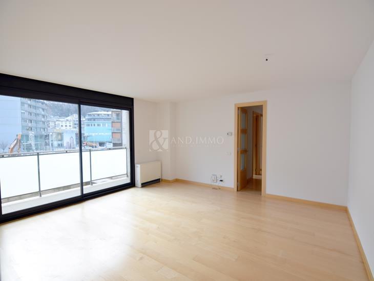 Appartement à LOUER à Escaldes-Engordany: 109,22 m² - 1600,00