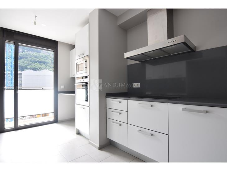 Pis en LLOGUER a Escaldes-Engordany: 171,42 m² - 2400,00