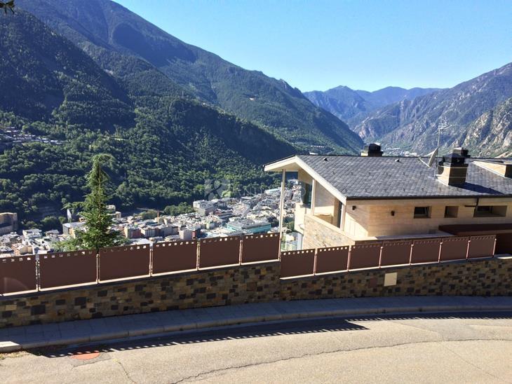 Plot Urbanizable for SALE in Escaldes-Engordany: m² - 822900.00
