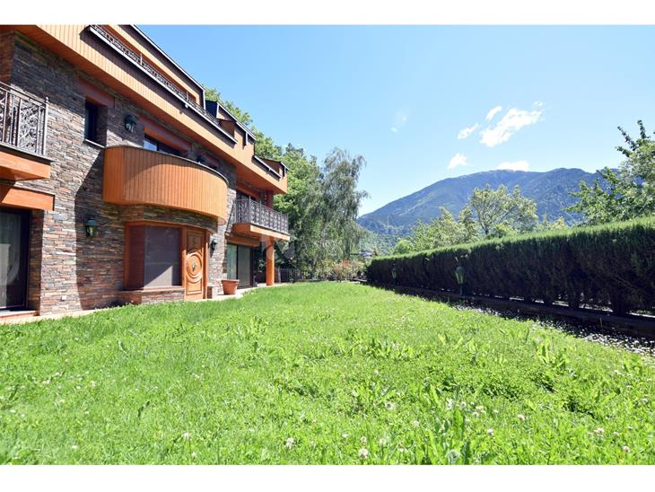 House Villa for SALE in Andorra la Vella: 908.00 m² - 6000000.00