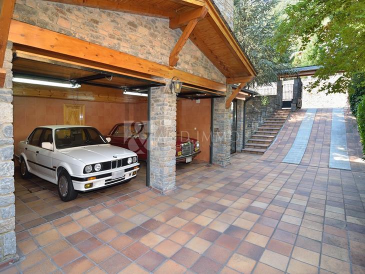 House Villa for SALE in Escàs: 426.00 m² - 1500000.00