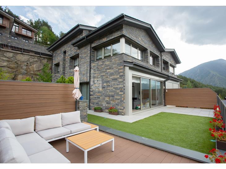 Casa Xalet  en VENDA a Anyós: 402,49 m² - 1350000,00