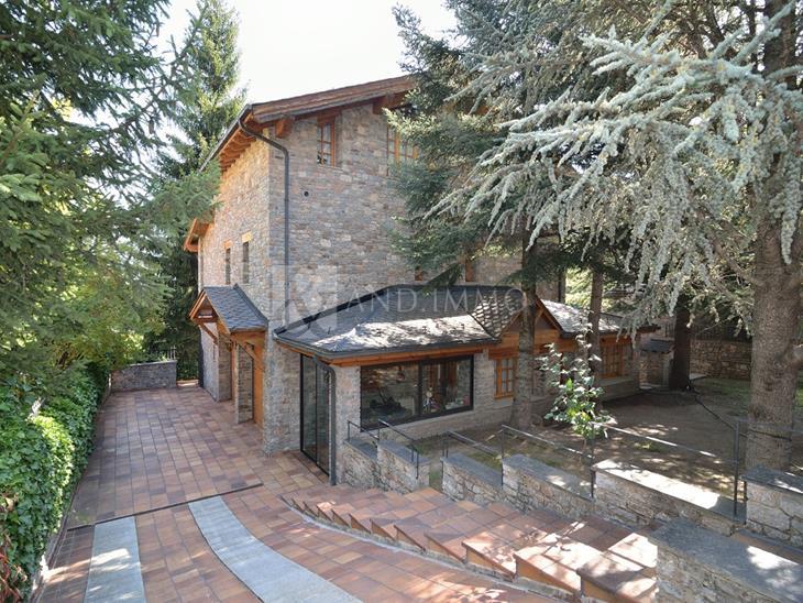House Villa for SALE in Escàs: 322.00 m² - 3270000.00