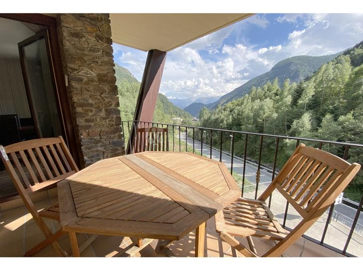 Flat for SALE in Arinsal: 61.00 m² - 159650.00