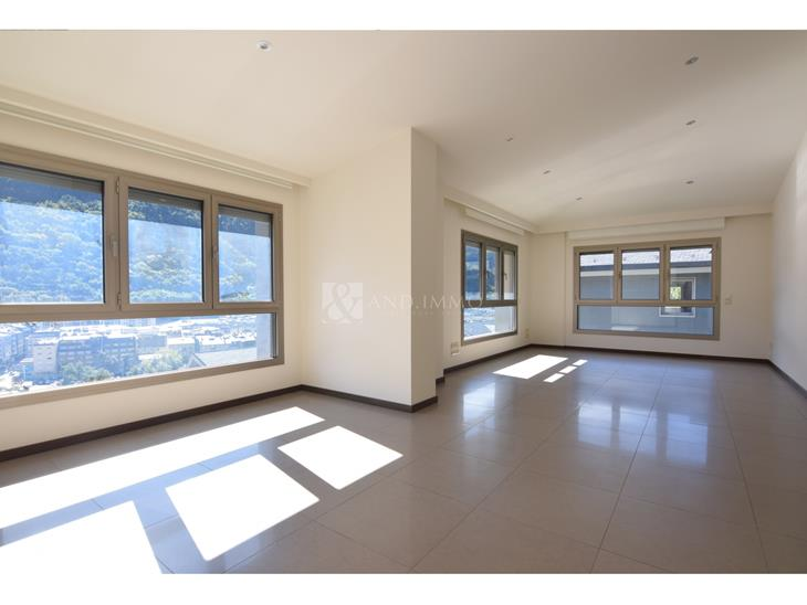 Penthouse for RENT in Escaldes-Engordany: 185.00 m² - 4000.00