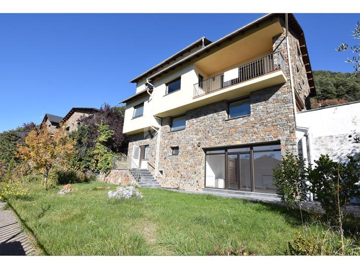 Casa Xalet  en VENDA a Juberri: 320,00 m² - 990000,00