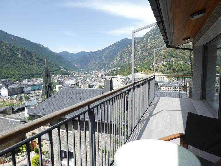 Penthouse for SALE in Escaldes-Engordany: 178.00 m² - 1150000.00